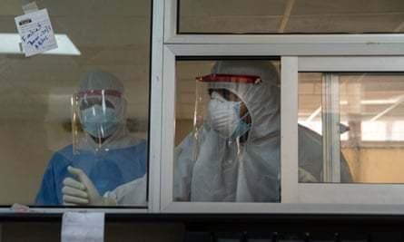 Pakistan Covid-19 doctors witness black market deals in blood plasma | Pakistan | The Guardian